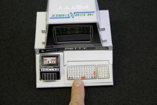 Механическая бумажная игрушка для самостоятельной сборки Petty